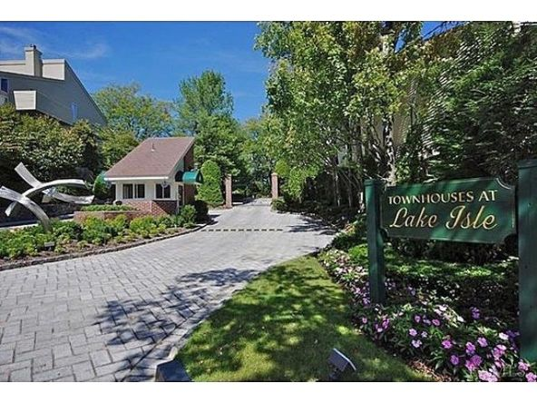 8 Waterside Close, Eastchester, NY 10709 Photo 2