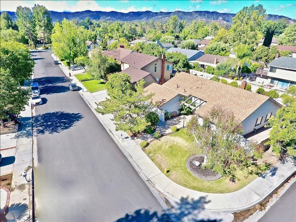 25695 Yucca Valley Rd., Santa Clarita, CA 91355 Photo 4