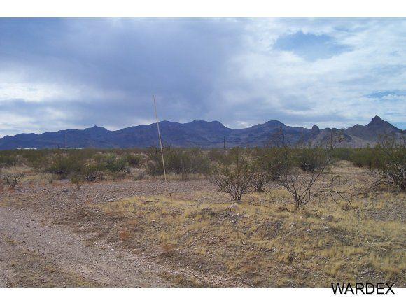 2417 S. Cove Rd., Golden Valley, AZ 86413 Photo 1