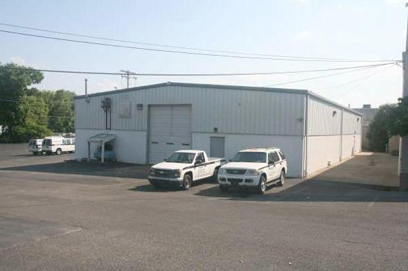 795 Oak Ridge Turnpike, Oak Ridge, TN 37830 Photo 5