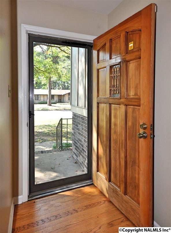 815 Olivia Avenue S.E., Huntsville, AL 35802 Photo 4