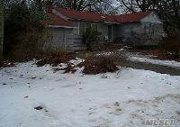 Home for sale: 11 E. Oakley St., Massapequa, NY 11758