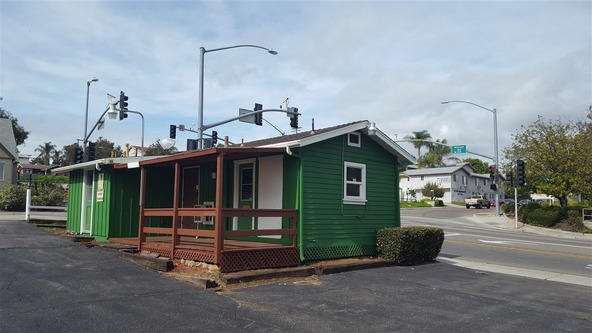 140 W. Mission Rd., Fallbrook, CA 92028 Photo 1