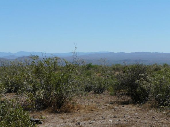 935 Happy Trail, Wickenburg, AZ 85390 Photo 3