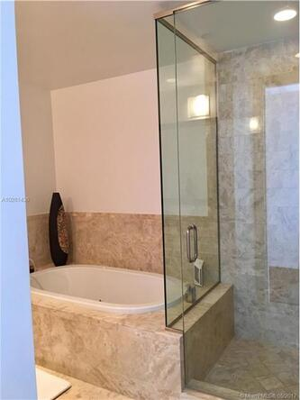1425 Brickell Ave., Miami, FL 33131 Photo 36