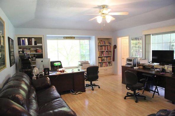 5234 West Spruce Avenue, Fresno, CA 93722 Photo 31