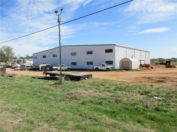 300 N. Vaughn Rd., Centerton, AR 72719 Photo 25
