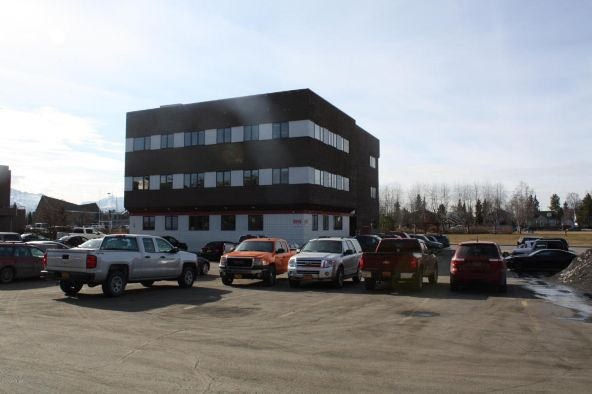 880 N. St., Anchorage, AK 99501 Photo 2