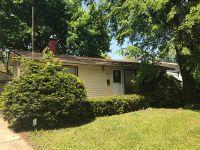 Home for sale: 662 Jefferson Avenue, Carpentersville, IL 60110