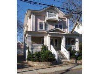 1075 Edgewood Ln., Fort Lee, NJ 07024 Photo 2