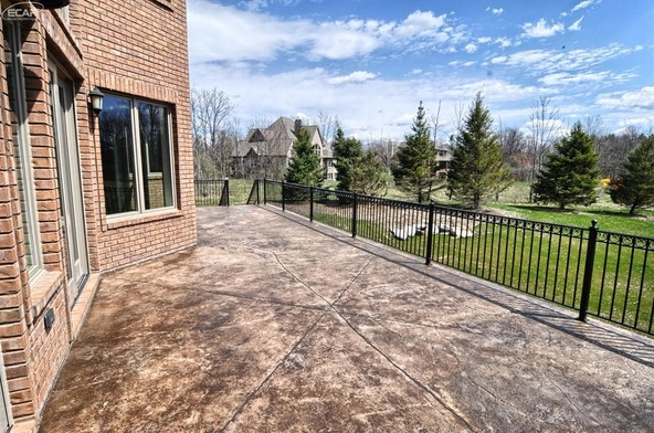 8211 Pine Hollow Trail, Grand Blanc, MI 48439 Photo 35