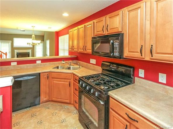 16823 Timber Crossing Rd., Charlotte, NC 28213 Photo 8