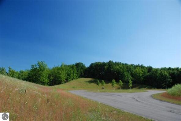 9410 Summerfield Dr., Traverse City, MI 49684 Photo 18