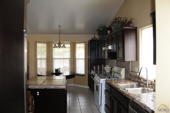 1104 Woodmont Dr., Bakersfield, CA 93312 Photo 12