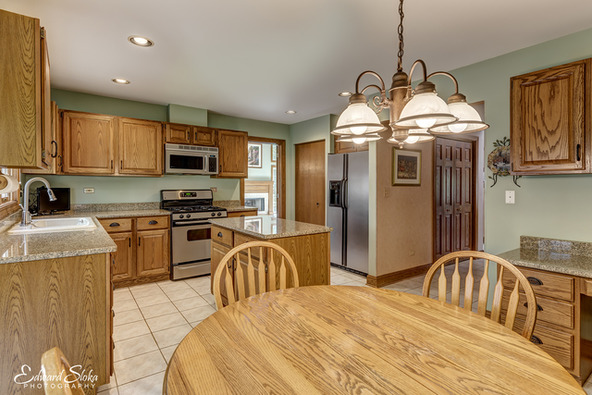 939 Wedgewood Dr., Crystal Lake, IL 60014 Photo 9