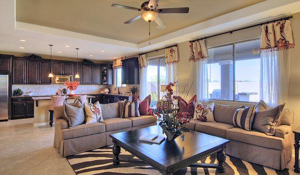 2917 W. Donner Drive, Phoenix, AZ 85041 Photo 5