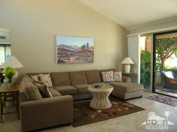 171 las Lomas, Palm Desert, CA 92260 Photo 2