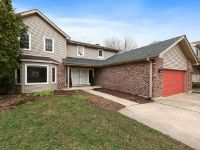 Home for sale: 3 Yellow Star Ct., Woodridge, IL 60517