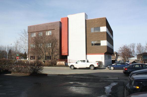 880 N. St., Anchorage, AK 99501 Photo 1