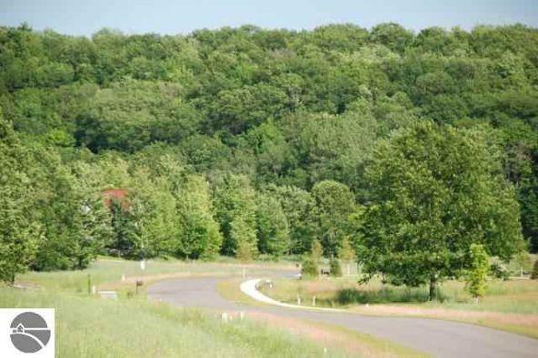 9360 E. Summerfield Dr., Traverse City, MI 49684 Photo 10