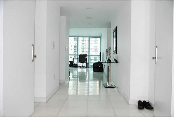 1331 Brickell Bay Dr. # 802, Miami, FL 33131 Photo 4