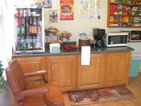 2060 E. Van Buren, Eureka Springs, AR 72632 Photo 4