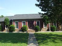 Home for sale: 204 Jeffrey Dr., Fayetteville, TN 37334