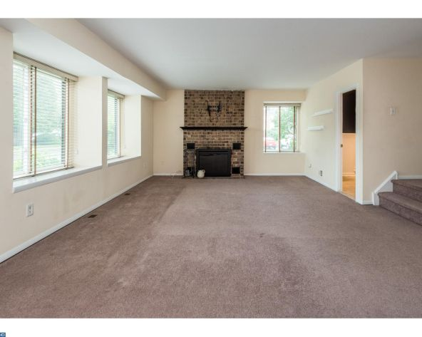 22 Fitzwatertown Rd., Willow Grove, PA 19090 Photo 14