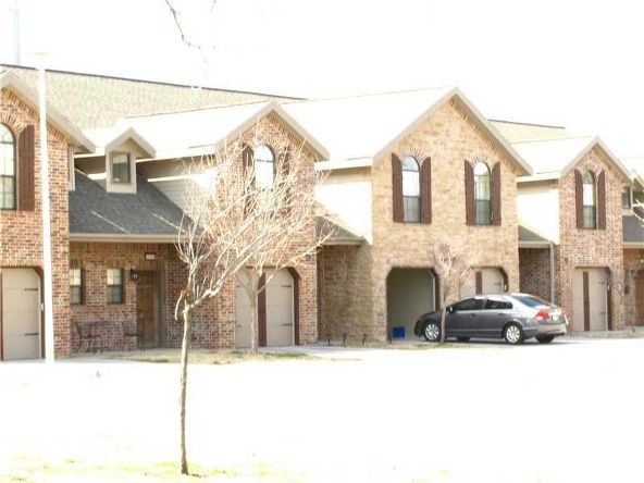 4048 Glenstone Terrace A, Springdale, AR 72764 Photo 2
