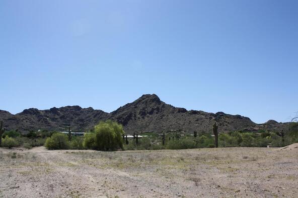 7670 N. Invergordon Rd., Paradise Valley, AZ 85253 Photo 2