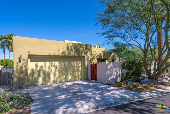 3030 Candlelight Ln., Palm Springs, CA 92264 Photo 2