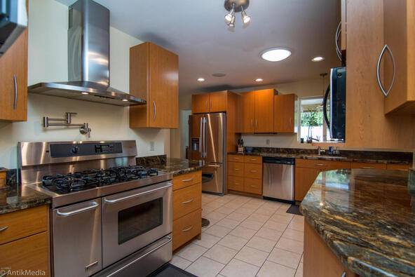 4061 E. Weldon Avenue, Phoenix, AZ 85018 Photo 5