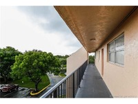 Home for sale: 13707 Kendale Lakes Cir. # Apt410, Miami, FL 33183