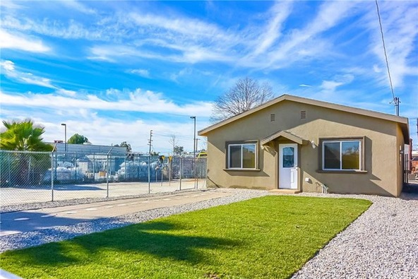 358 S. Pershing Avenue, San Bernardino, CA 92408 Photo 3